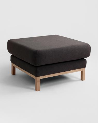 Fotelek, kanapék, lounge RM Scandic puff választható kárpittal, pácolással